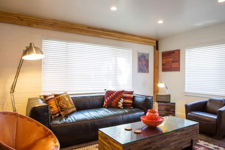 Instaworthy Decor and Location. All the Amenities: Hot Tub, Firepit & Pet Friendly - Moab Flats #1