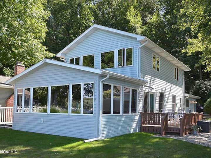 Lake House close to ski resort & snowmobile trails