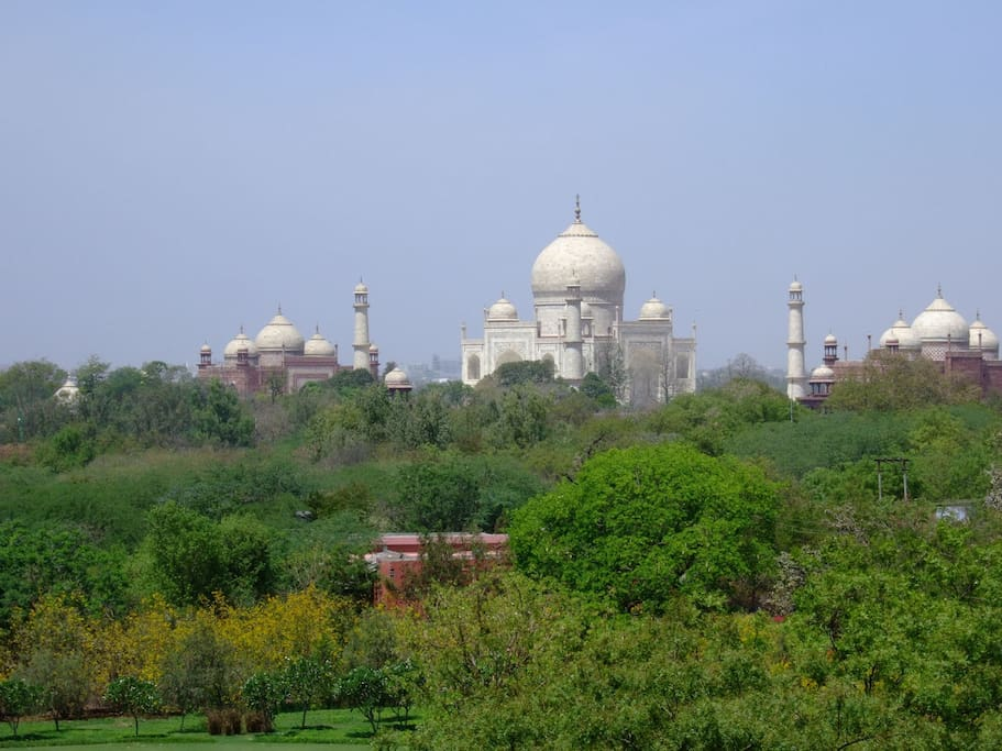 Nothing in between Taj Mahal and rooftop restaurant.