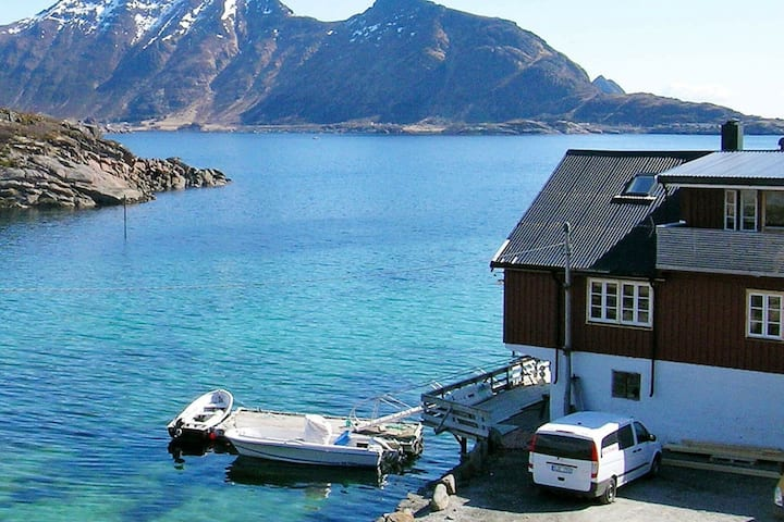 6 person holiday home in Ballstad