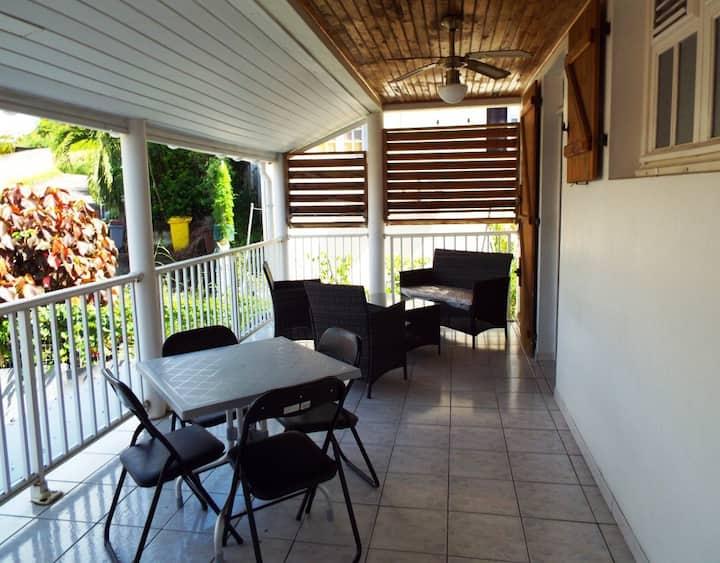 Charmant T2 à Trois Rivières, Ste-Luce, Martinique