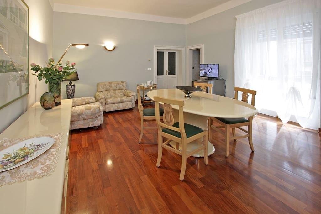 Abitare il 39 900 suite hollywood appartamenti in affitto for Abitare a verona
