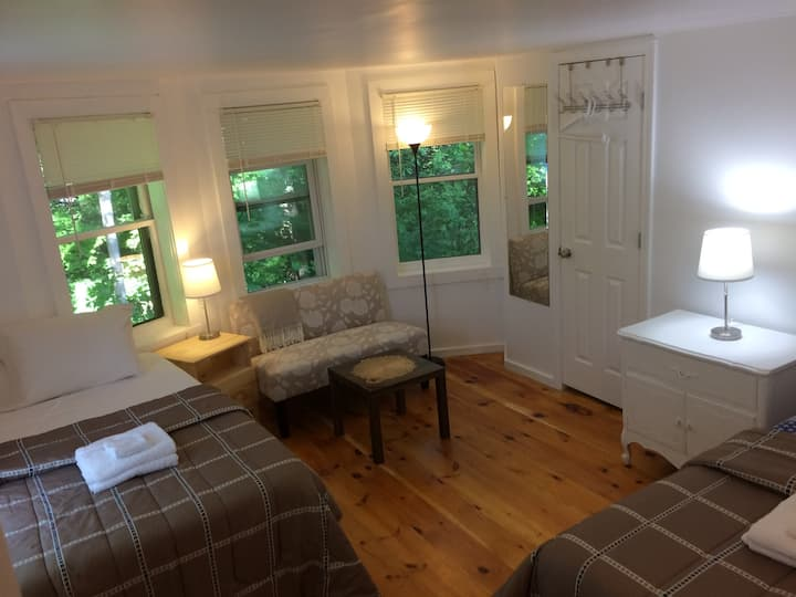 Cozy Berkshire Cottage Style Apartment