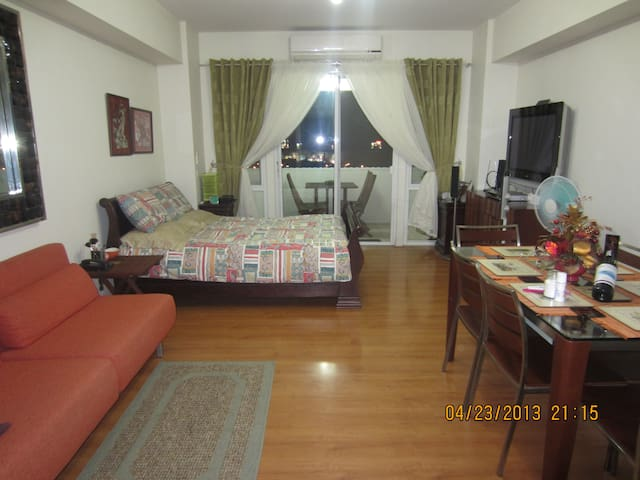 Cozy Apt in Alabang for short-term  - Muntinlupa City - Apartment