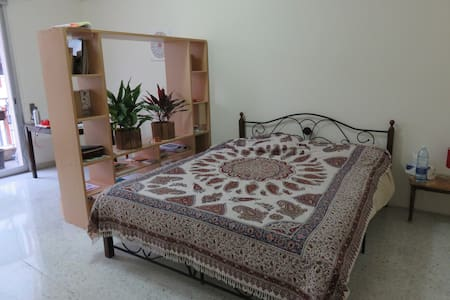 A 20m2 room for rent in Sanayeh - Bayrut