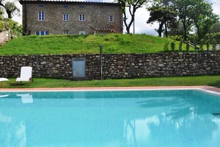 VILLA IL FORNO AMAZING POOL + AC - Lucca