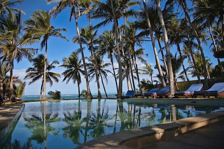Watano Beach House - Diani Beach - Villa