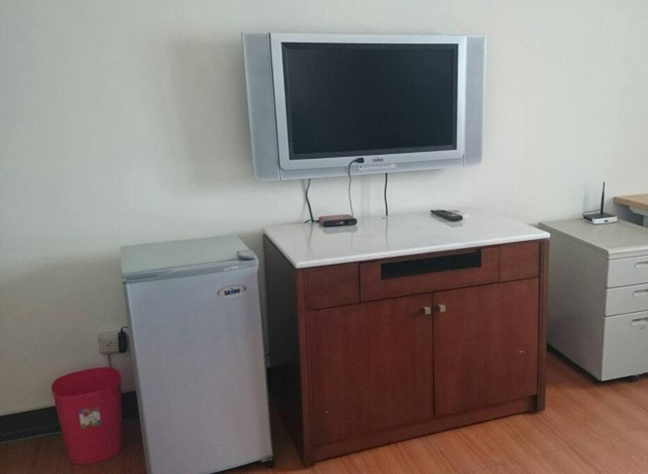 ケーブルテレビ、冷蔵庫、冷房、暖房付き