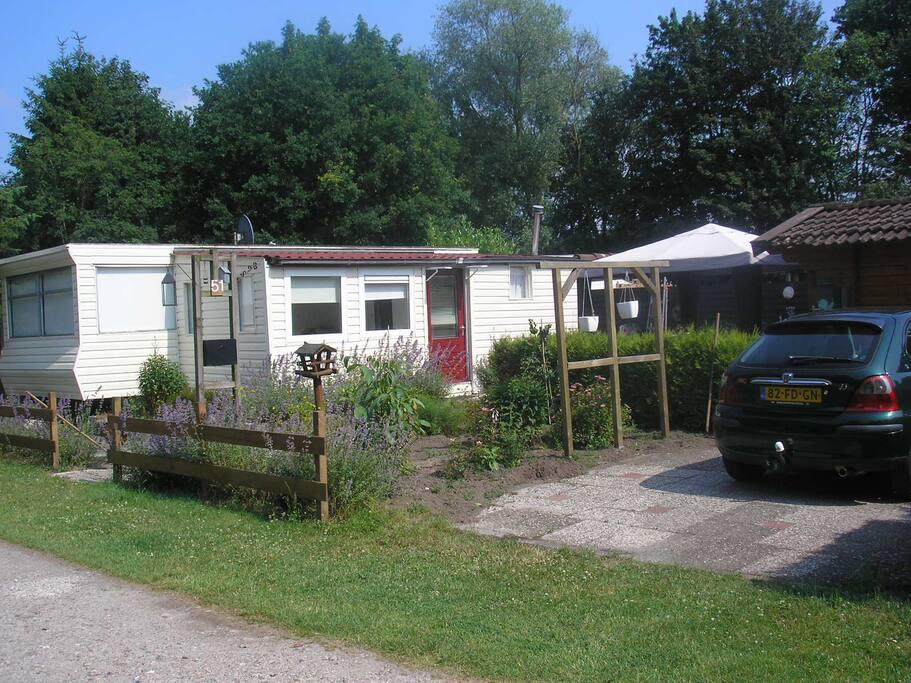 Te huur leuk chaletje stacaravan in zuidlaren houten huisje te huur in zuidlaren drenthe - Te huur studio m ...