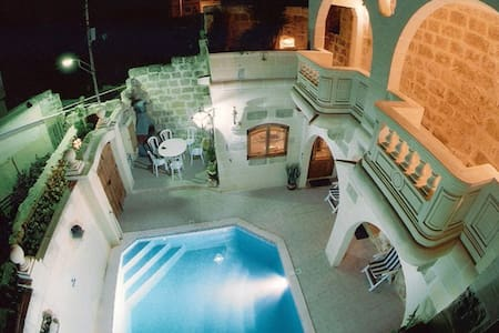 Gozo F/house in Xaghra, Pool & AC - Xagħra - Dům