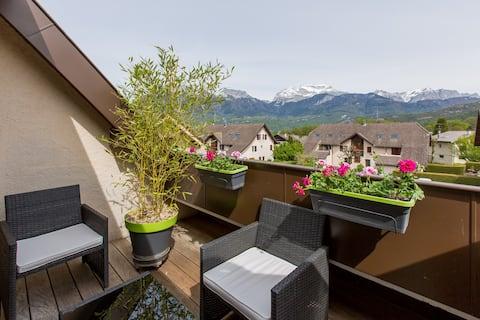 Appartement, terrasse vue Tournette.