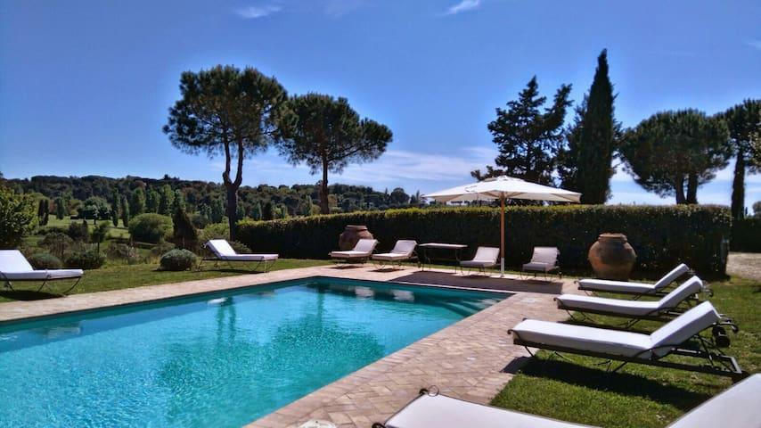 Casale San Carlo's swimming pool