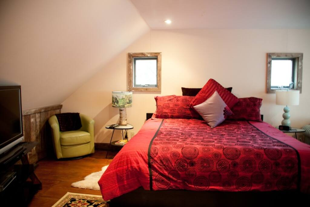 Beautiful spa loft.  Super comfortable King sized bed.