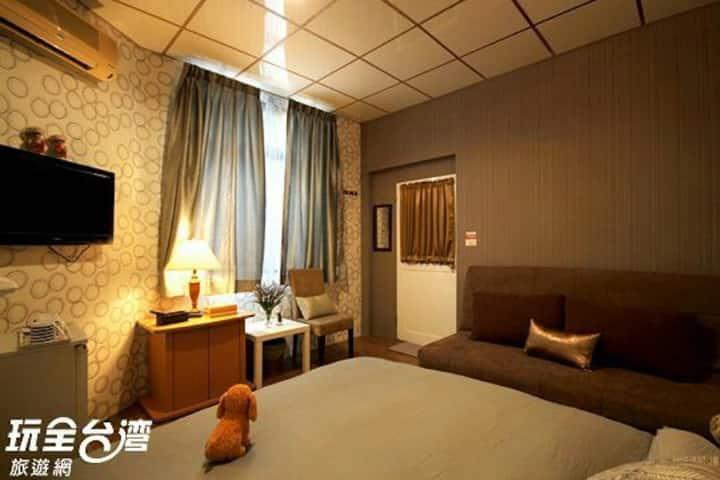 4人,台南成大醫院旁(商務四人房)是出差,探病,旅居的最佳夜宿點。