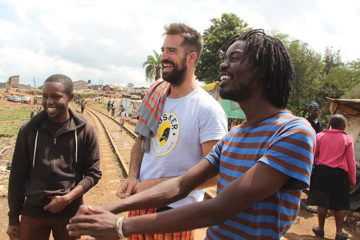 Walkthrough Kibera's iconic sites