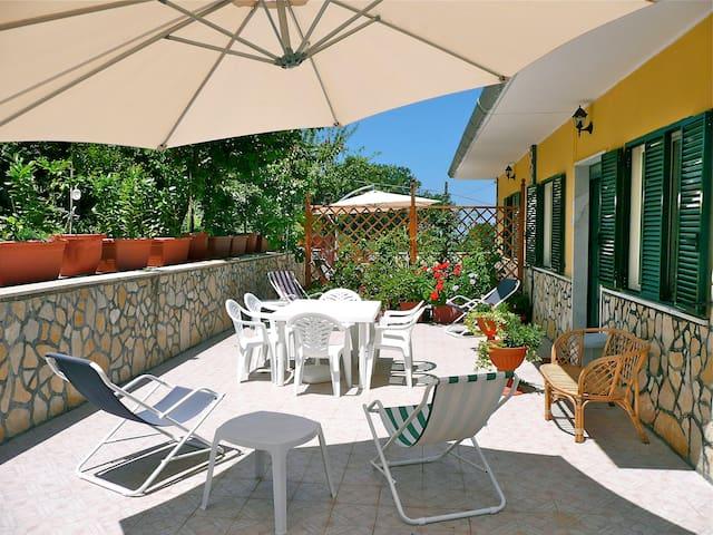 Apartment Amarena at Villa Alberto Castellabate - Castellabate - Apartamento