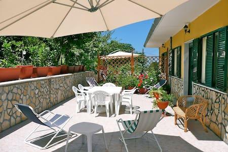 Apartment Amarena at Villa Alberto Castellabate - Castellabate - Apartmen