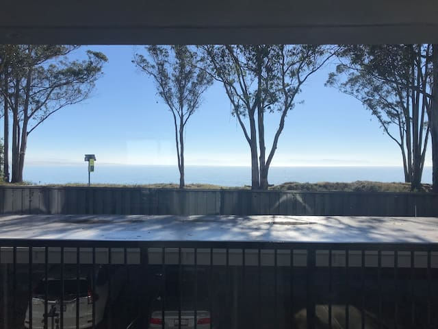 Charming Capitola Condo Awaits Your Stay!