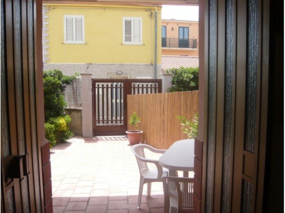 Raffinati appartamenti in villa affacciata sul mar for Appartamenti sicilia