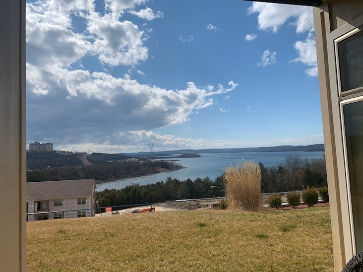 Table Rock Lake View Unit 113 First Floor 2 br 2ba