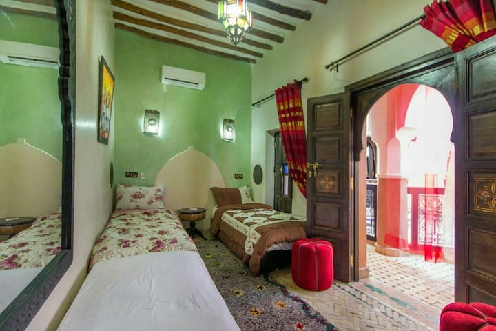 Twin or double bed:WiFi,AIR/ CONDITIONIN,REAL POOL