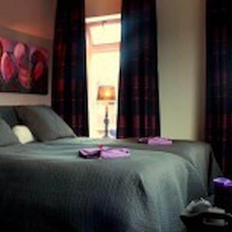 Pure verwennerij bij Bed & Breakfast De Hedera - Leeuwarden - Szoba reggelivel