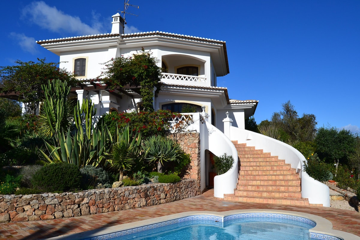 Superb 3 Schlafzimmer Ferienhaus Mit Pool   Houses For Rent In Carvoeiro, Faro,  Portugal