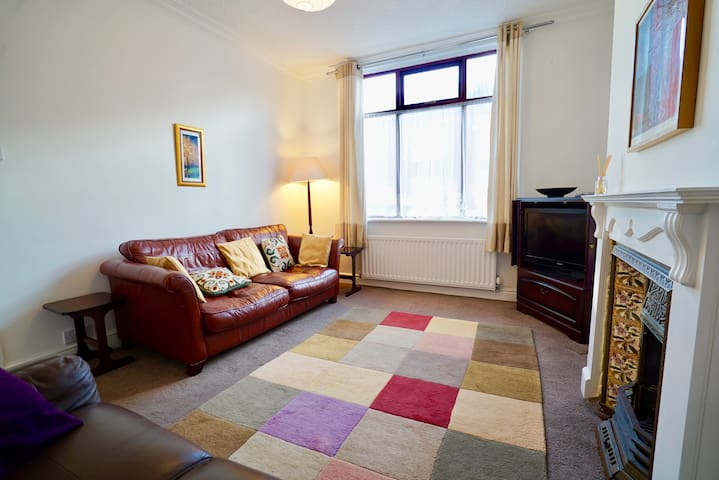 Comfy 3 bedroom house Durham - city centre 4 miles