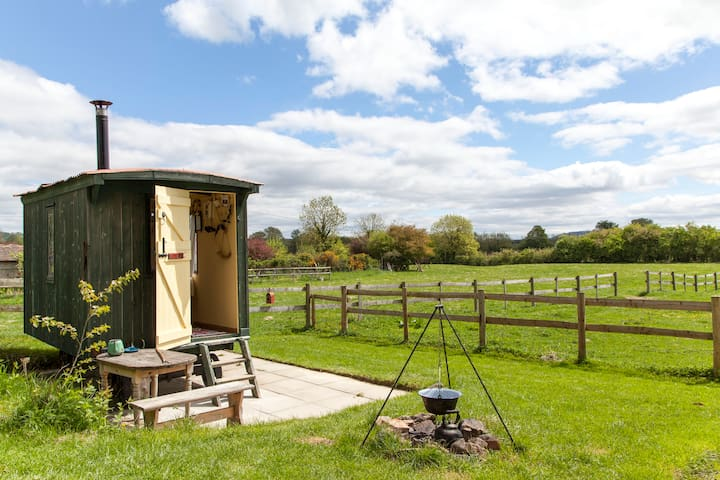 Millstream Camp Shepherd's Hut Selfcatering Ludlow