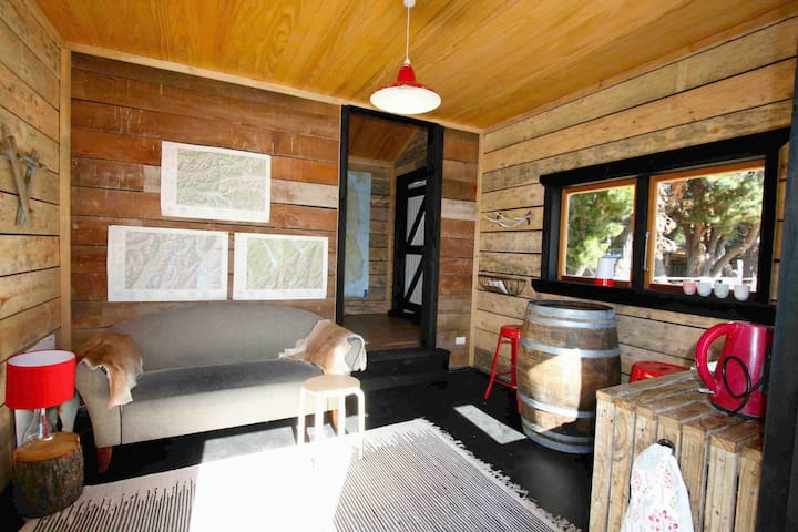 Warm Cosy Modern Country Woolshed Hurunui