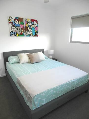 Private Room with ensuite bathroom - Everton Park - Apartament