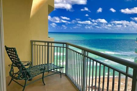 Beautiful Ocean Front Beach Resort 1 Bedroom 11 - North Miami Beach - Apartment