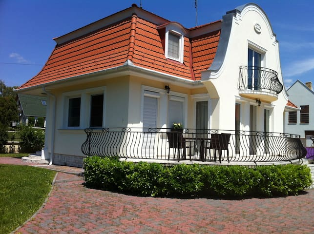 best place in Balaton, house t rent - Balatonudvari - Dům