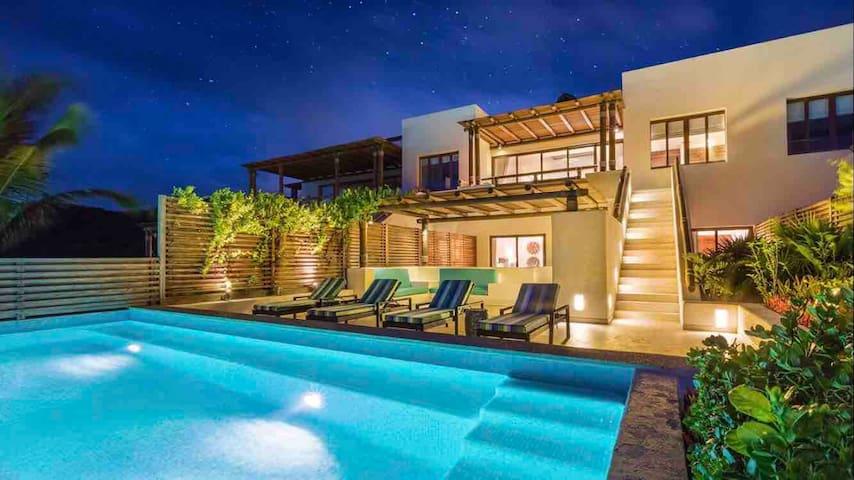 Veneros Penthouse & private pool