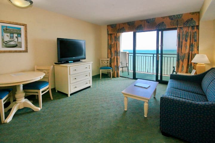 Direct Oceanfront Breakers Paradise Resort FamilyFavorite! Amazing VIews! Free Wifi Waterpark!