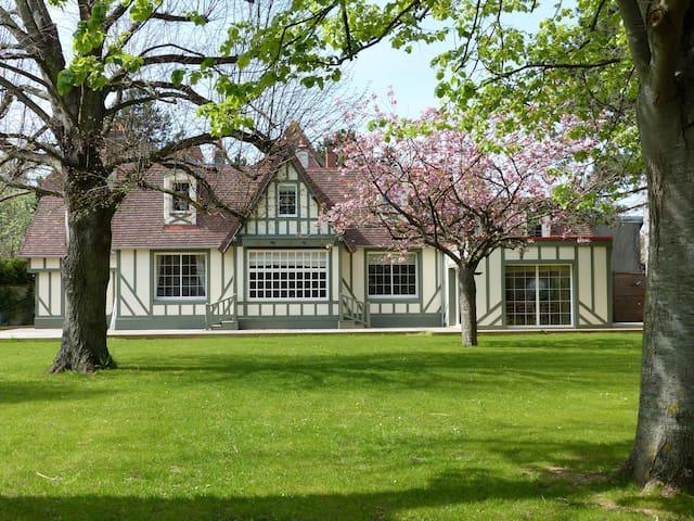 Magnifique Villa Cabourg en centre ville - Cabourg - Villa