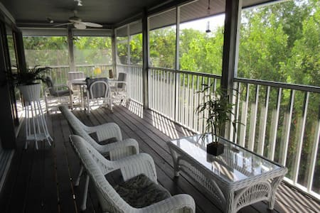 Bay Front Beach House - Fort Myers Beach - Hus