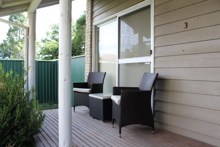 2 Bedroom Townhouse in Muswellbrook - Muswellbrook - Таунхаус
