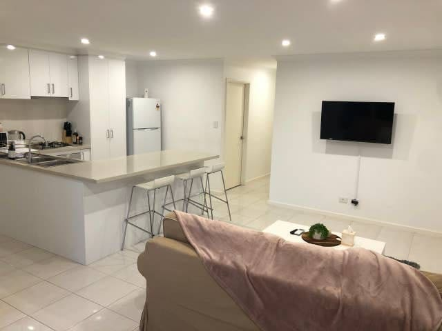 Coronacation+Coogee Beach+3x2+Secure+Family Home