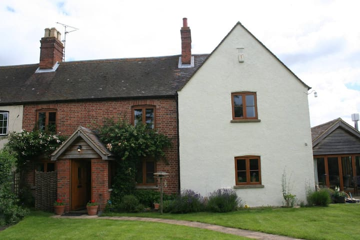 Peaceful double room in Oxfordshire village - Toot Baldon - Dom