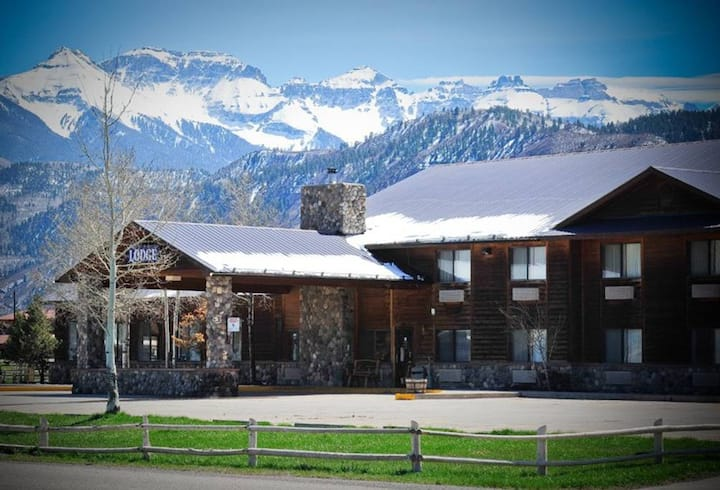 Ridgway Lodge and Star Saloon