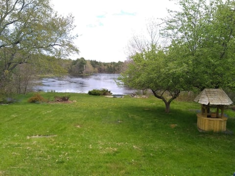 The Pumpkin Cottage - Tranquillity on the river