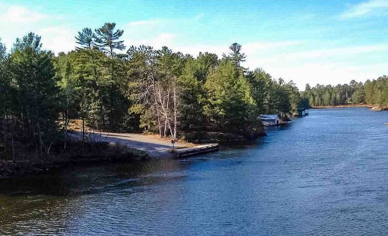 Rustic Hunt Camp & Campsite near the French River