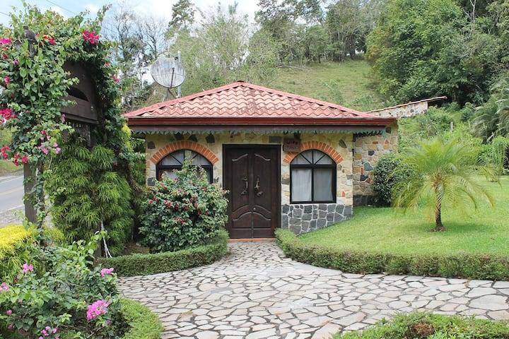 The 'Wine Cellar' Casita on Lake Arenal!