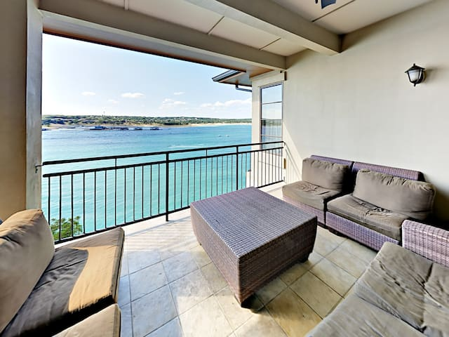 All-Suite 3BR w/ Stunning Lake Views