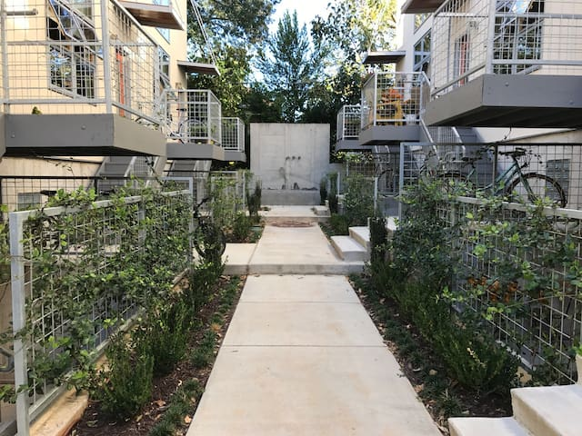 VaHi private BR/BA/balcony - Atlanta