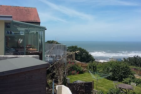 Californian Beach House, Westward Ho.