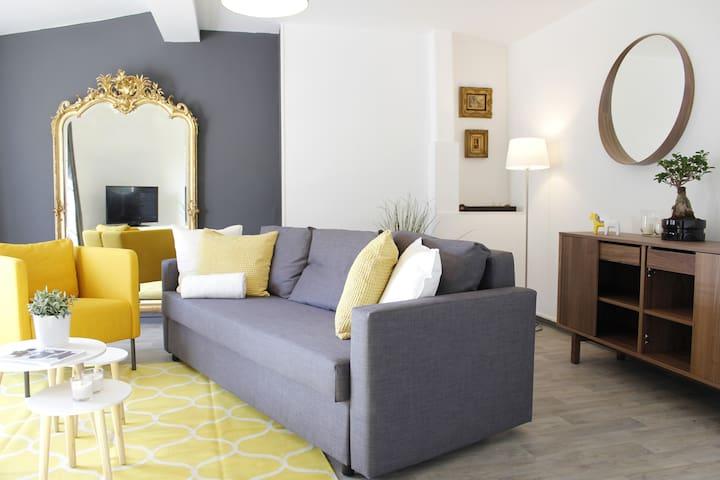 Maison BACOU Appartement 'Vue Cité Médiévale' C2