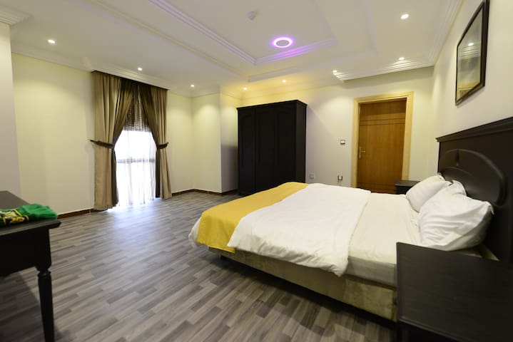 غرفة نوم 1 مع صالة روف vip