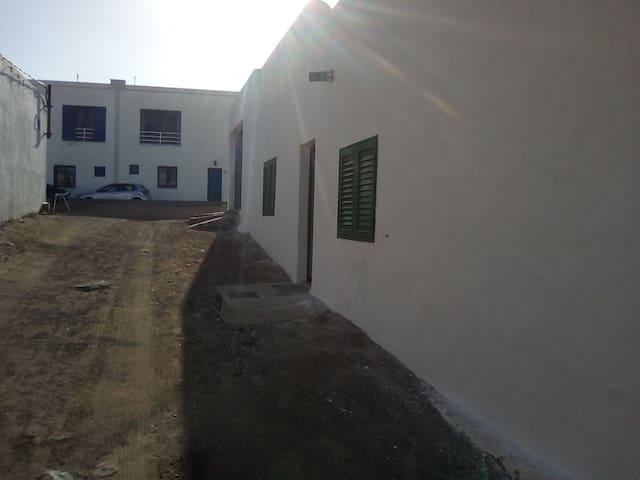 Casa sra Reyes Famara